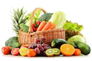 Alimentazione naturale: cestino frutta e verdura